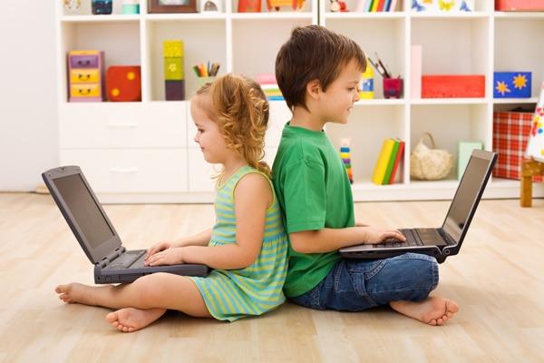 nenes informàtics